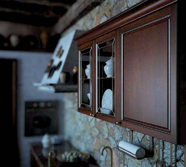 Классическая кухня Sharlotta из массива ольхи