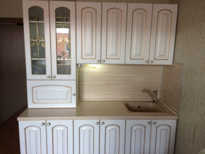 Классическая кухня с фасадами из пленки ПВХ