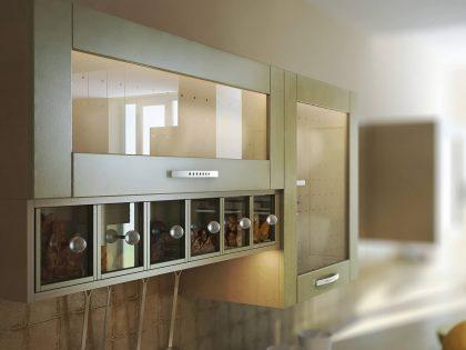 Кухня Альба с рамочными фасадами из массива ольхи