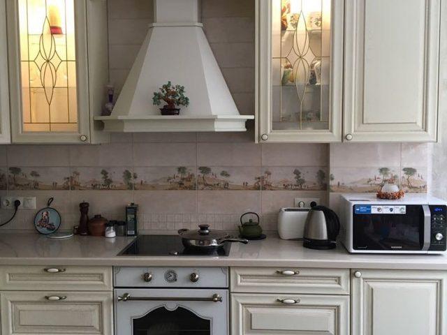 Кухня Буона Сера Наполи из массива в стиле Классика