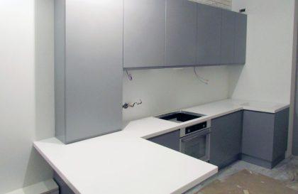 Кухня Breeze с фасадами из МДФ с нанесением матовой эмали