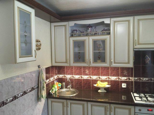 Кухня с фасадами из массива Черешни тип 15 в стиле классика