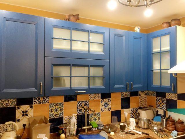 Угловая кухня Лаванда с фасадами из массива и МДФ