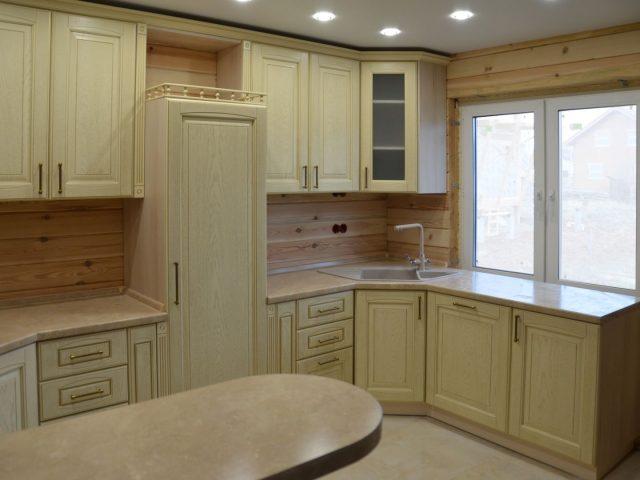 Кухня Вернисаж с фасадами из МДФ с нанесением шпона ясеня
